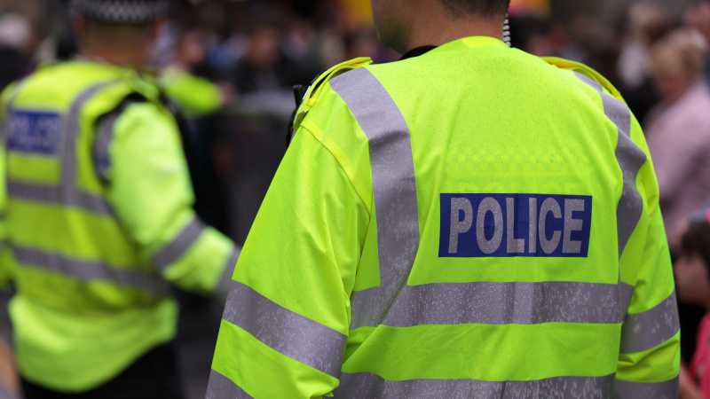 Po vakarėlio Londone – 22 sužeisti policininkai ir apgadinti automobiliai [VIDEO]