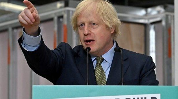 """B. Johnsonas pristatė """"ambicingus"""" ekonominio atsigavimo planus"""