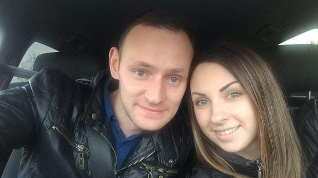 Tragedija JK latvių šeimoje: per konfliktą vyras pasmaugė žmoną, kol šalimais miegojo sūnus
