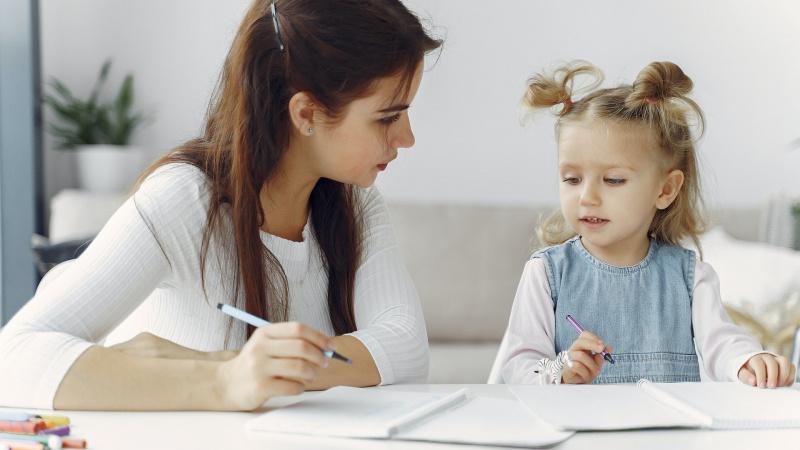 Specialistės patarimai: ar verta vaiką mokyti lietuvių kalbos gyvenant Anglijoje?