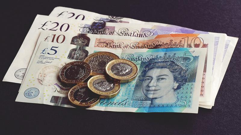 Didžiosios Britanijos ekonomika atsigauna lėčiau nei tikėtasi