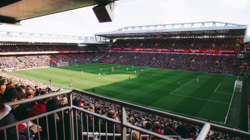 Nuo spalio į sporto stadionus JK bus leista sugrįžti ir žiūrovams