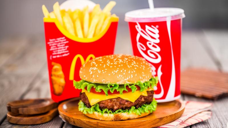 """""""McDonald's"""" JK atidarys 700 restoranų"""
