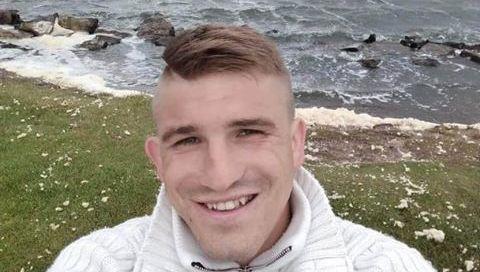 JK dingo jaunas lietuvis, tautiečių prašoma pagalbos jo ieškant