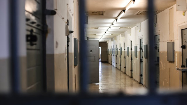 Britų teisėjai neleido praeityje nuteisto pedofilo deportuoti atgal į Lietuvą