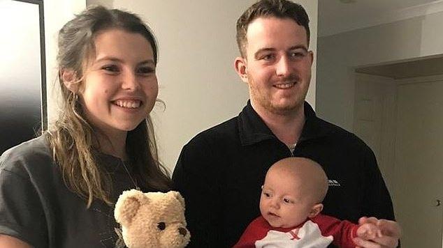 Britė pagimdė Australijos šalikelėje: nė nenutuokė, kad laukėsi