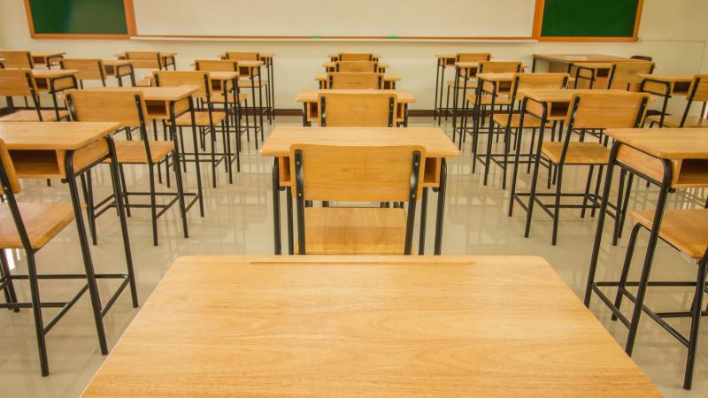 Paskutinę minutę JK valdžios paskelbtas planas dėl mokyklų sukėlė pasipiktinimą