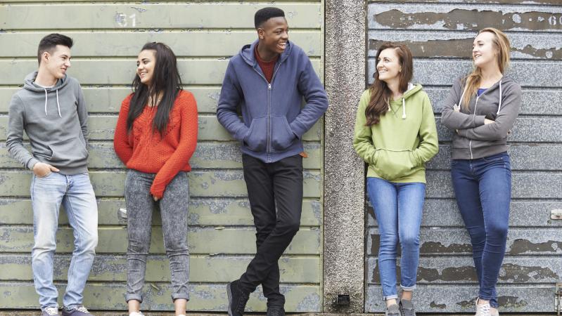 JK startuoja jaunimo užimtumo skatinimo programa, rekordiniam skaičiui jaunų žmonių gyvenant iš pašalpų
