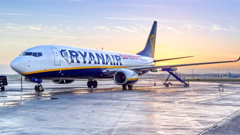 """""""Ryanair"""" skraidins iš Vilniaus į Leeds Bradfordą, skelbia akciją"""