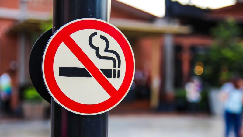 Lietuvoje uždraustas rūkymas balkonuose, lauko kavinėse, renginiuose