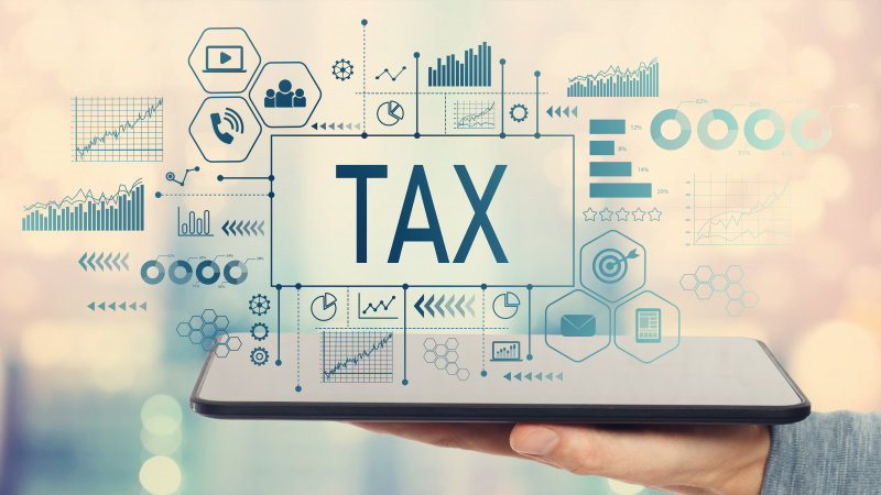 JK iždo sekretorius užsiminė, kad mokesčių kėlimas gali būti atidėtas siekiant gelbėti darbo vietas