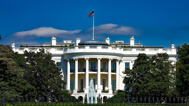 J.Bideno šansai laimėti JAV prezidento rinkimus dideli, bet demokratai atsargiai žvelgia į apklausas