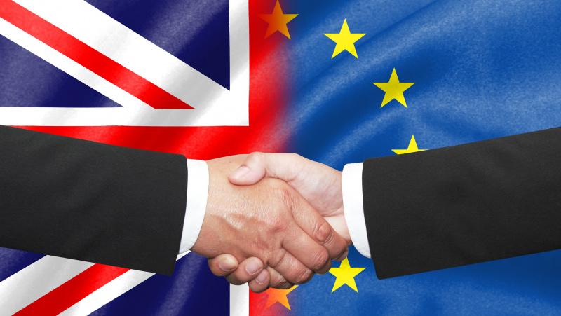 """Downing Streetas: pratęstos derybos su Briuseliu dėl prekybos po """"Brexit"""""""