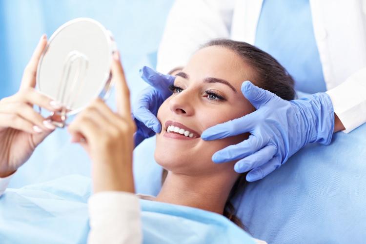 Iššūkis koronavirusui! Londono lietuvės atidaryta stomatologijos klinka neketina pasiduoti