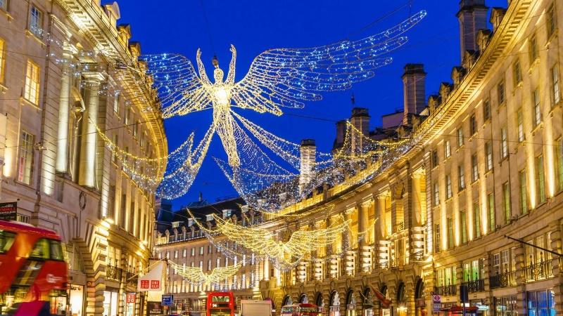 Ekspertė: JK gyventojai privalo laikytis taisyklių kitas dvi savaites, kad išgelbėtų Kalėdas
