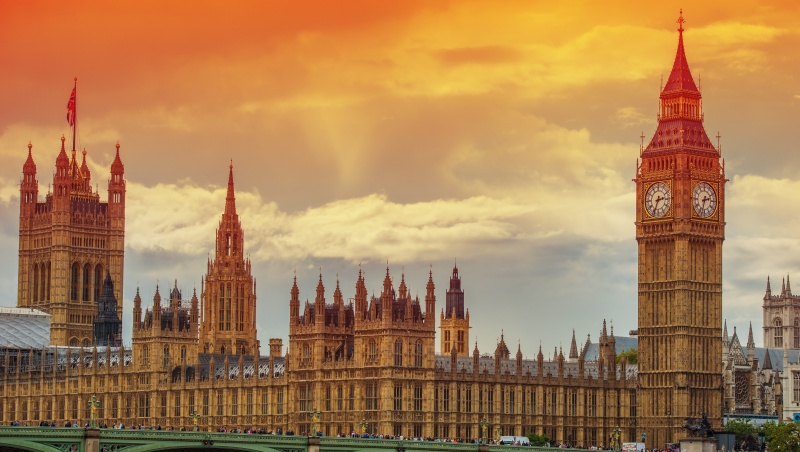 B. Johnsonas mano, kad JK parlamento nariams atlyginimai neturėtų didėti
