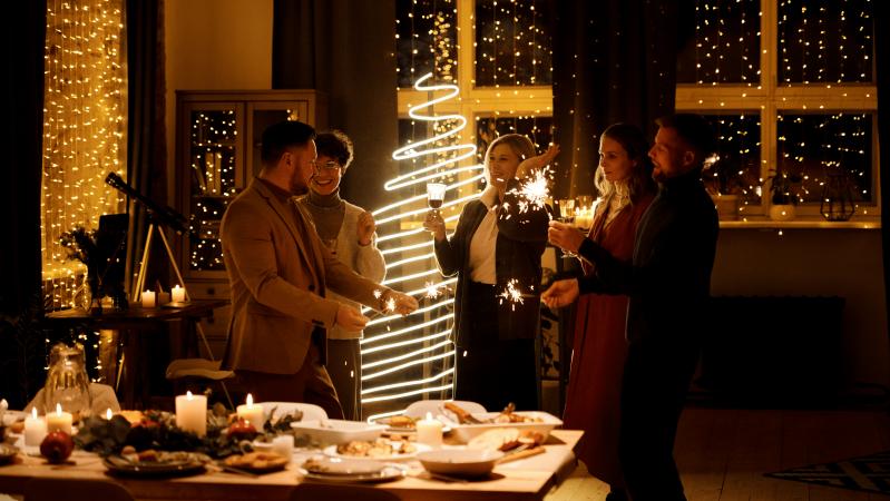 JK pagaliau paskelbtos Kalėdų šventimo taisyklės – bus leista susitikti kelioms šeimoms