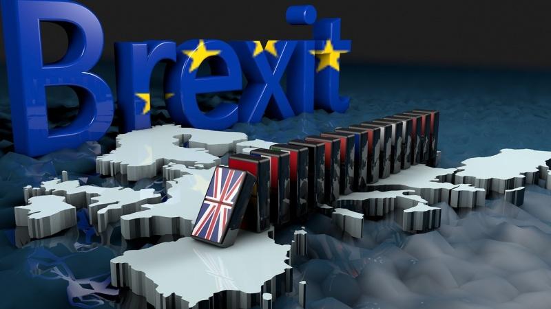 JK ir ES stengiasi išlaikyti savo pokerio veidus derybose dėl Brexit, o tai gali brangiai kainuoti žmonėms