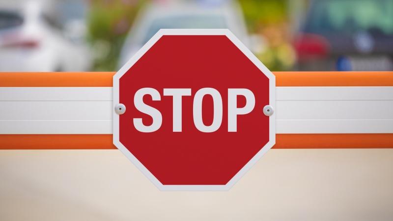 Nuo šeštadienio JK pietuose įvedami griežčiausi apribojimai dėl koronaviruso