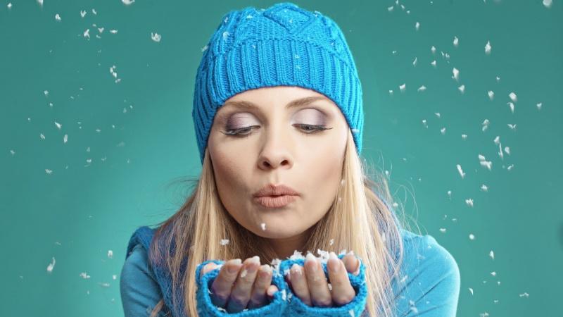 Angliško oro ypatumai: kaip pasirūpinti oda, plaukais ir nagais žiemą?