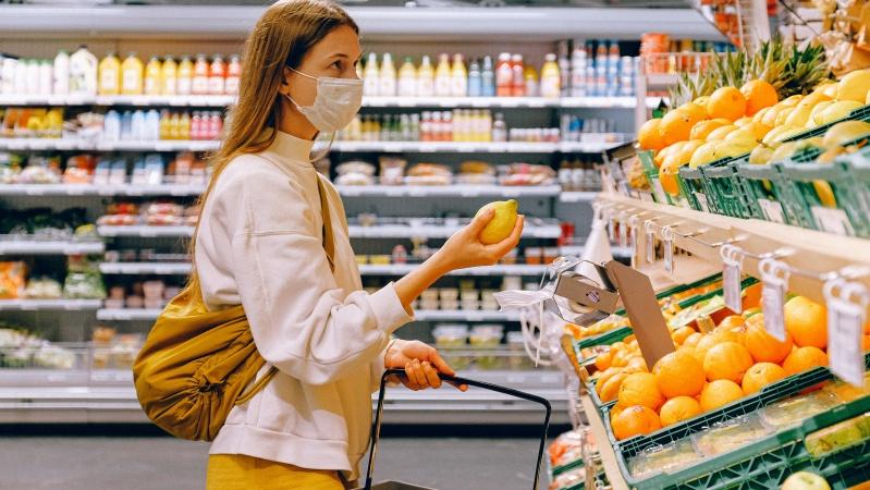 """""""Sainsbury's"""" įspėja apie vaisių ir daržovių trūkumą, jei per kelias dienas neišsispręs krovinių chaosas"""