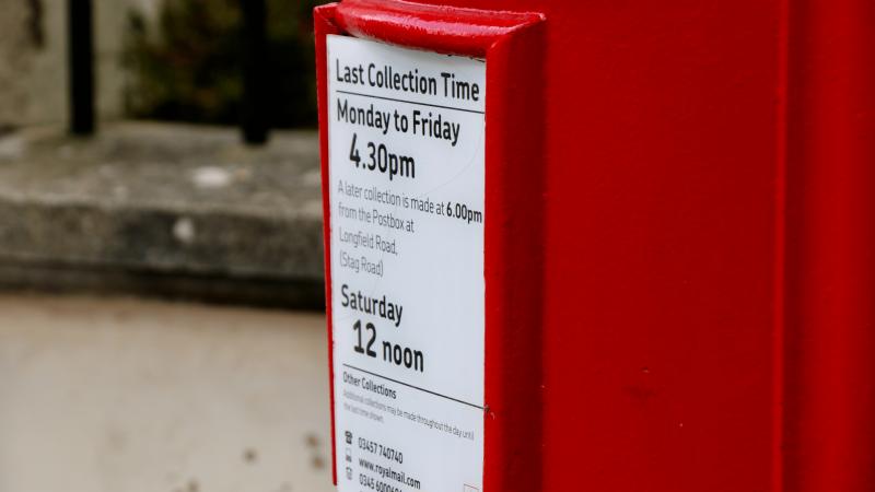JK paštas stabdo siuntas į ir iš šalies