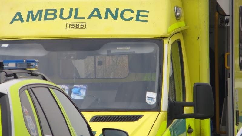 Į JK ligonines dėl COVID-19 atvežamų žmonių skaičius artėja prie pirmosios bangos piko