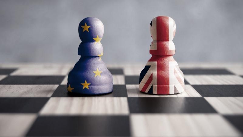 """""""Brexit"""": JK parlamento nariai didžiule balsų persvara pritarė prekybos su ES susitarimui"""