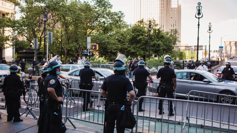 Neramumai JAV: Trumpo rėmėjai sukėlė riaušes, įsiveržė į Kapitolijų, pranešama apie aukas