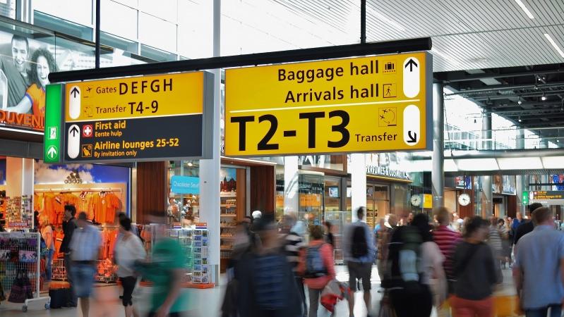 Atvykstantiems į JK gali tekti karantinuotis viešbučiuose už savo pinigus