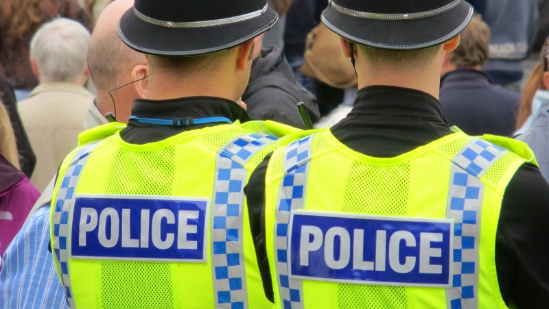 Pasigražinti užsimanę Londono policininkai prisivirė sau rimtos košės
