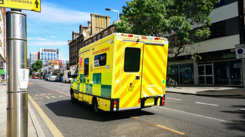 Tyrimas: dėl NHS diskriminacijos nukenčia dalies ne britų JK gyventojų sveikata