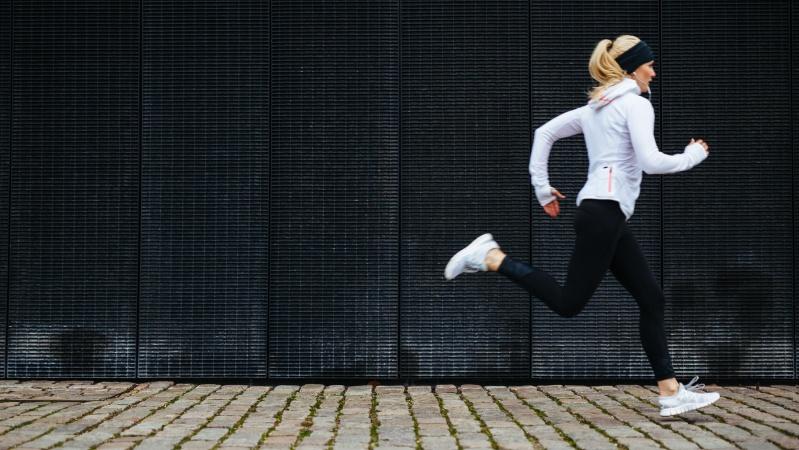 JK premjeras nori švelninti sportavimo apribojimus, tačiau kirpyklos gali tekti laukti iki balandžio