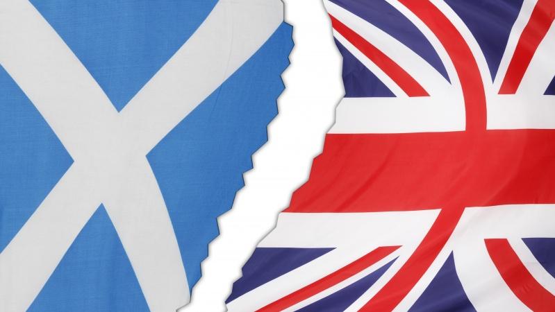 """Ekonomistai: nepriklausomybė škotams kainuotų 4 kartus daugiau nei """"Brexit"""""""