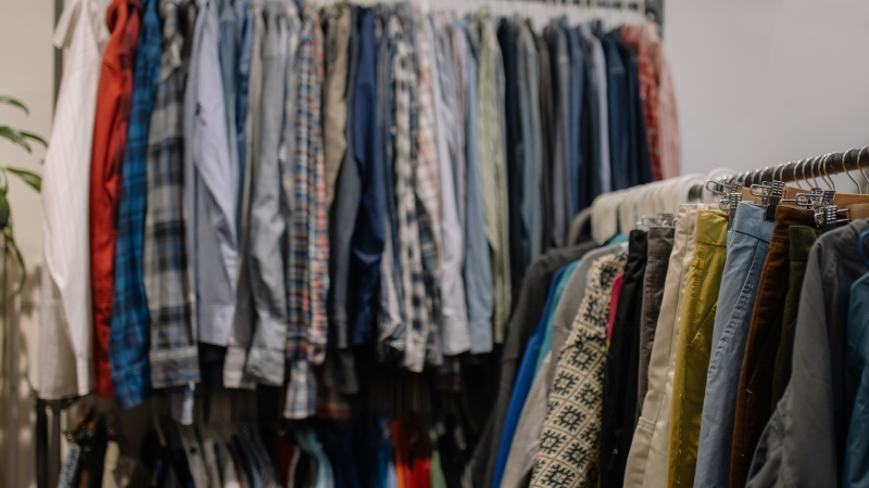 JK dėvėtų drabužių verslą pažabojo Brexit – Latvijos uosto valdžia grasina milžiniškais mokesčiais