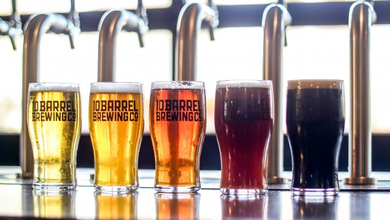 JK per karantiną baruose neišgertas alus pilamas lauk