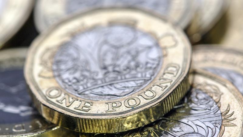 Augant kainoms, infliacija JK gali perkopti 2 proc. ribą