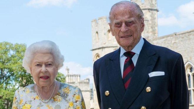 Karalienės vyras princas Philipas paguldytas į ligoninę