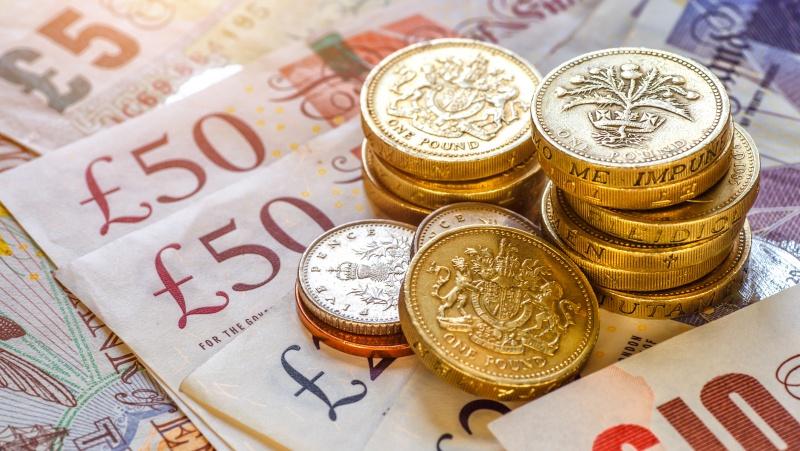 JK restoranų tinklas darbuotojams: paskolinkite 10 proc. atlyginimo arba nedirbsite