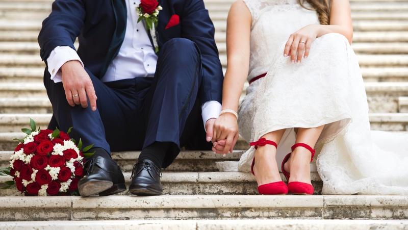 JK premjeras ketina susituokti iš karto, kai tik bus panaikinti apribojimai didelėms vestuvėms