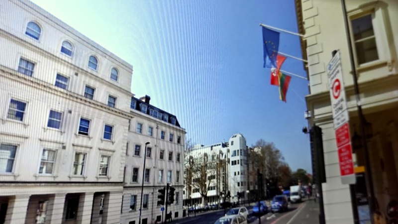 Šimtai lietuvių JK negali pasikeisti asmens dokumentų ir piktinasi LR Ambasados darbu