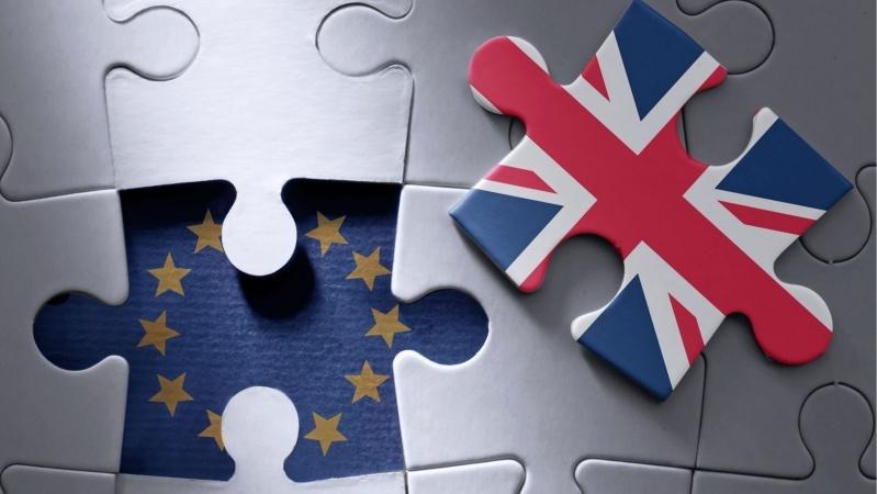 """Bręsta naujas konfliktas: JK paskelbė ketinanti vienašališkai pakeisti """"Brexit"""" susitarimą"""