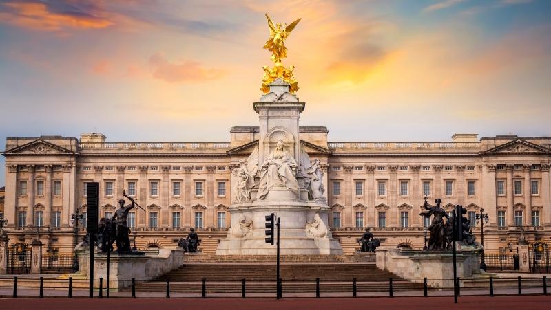 Po Harry ir Meghan interviu – skubios derybos karališkuosiuose rūmuose