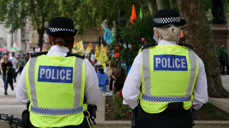 Londone sulaikyti protestuotojai prieš karantino apribojimus