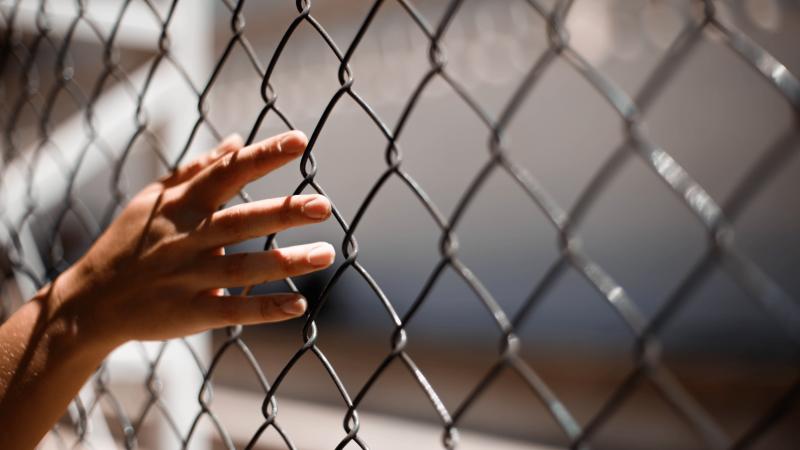 Pasienyje migrantų paliktas vaikas prisišaukė pagalbą