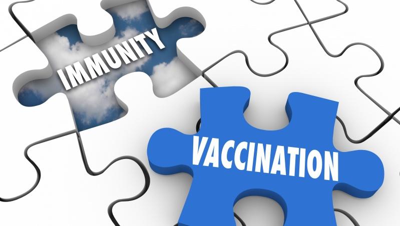 Mokslininkai: bandos imunitetas JK bus pasiektas ... pirmadienį