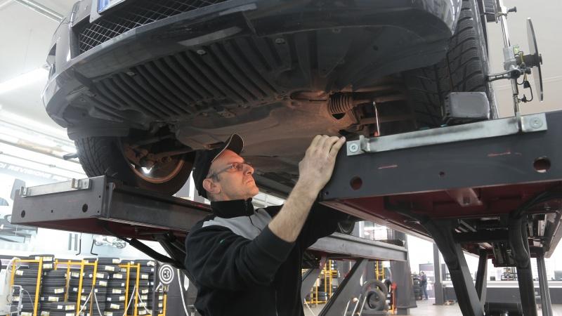 Kiekvienas JK vairuotojas šį mėnesį gali gauti nemokamą automobilio techninę apžiūrą