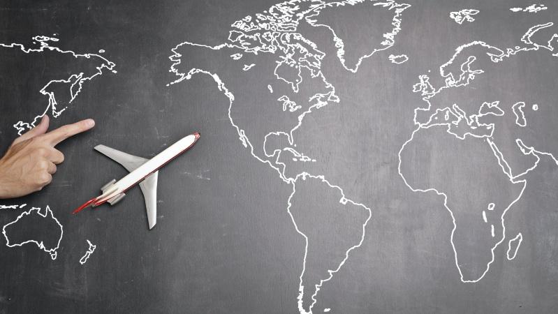 """Kol kas tik aštuonios šalys įtrauktos į kelionių """"žaliąjį sąrašą"""""""