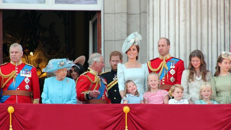 """JK karališkoji šeima rengs """"viršūnių susitikimą"""" dėl savo ateities"""