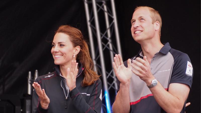 """Norite važinėtis kaip kunigaikščiai? K. Middleton ir princas Williamas parduoda savo """"Range Rover"""""""